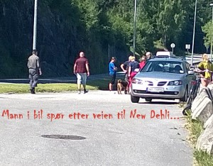 Bil stoppet og spurte om veien til New Dehli.....